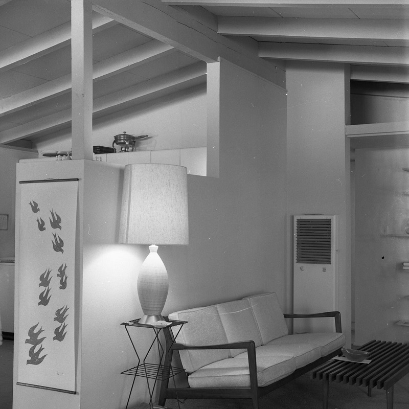 California_Mid-Century_Modern_Home_with_open-beam_ceiling_1960